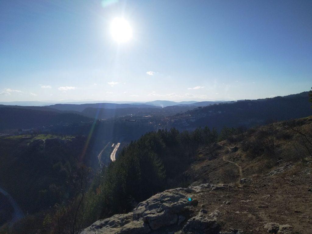 Пътища и пътеки - Велико Търново от Гарга баир
